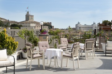 Hotel with a terrace in Rome